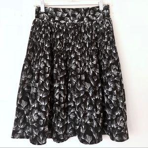 Cute Floral B&W Knee Length Skirt